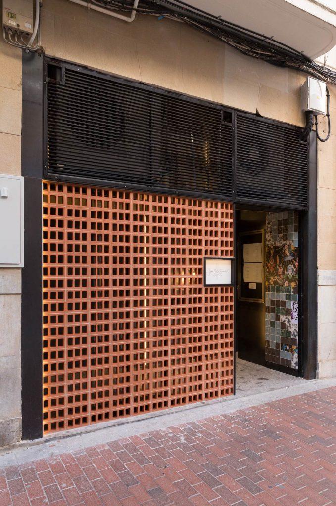 Entrada al Restaurante Juan Carlos Ferrando en Logroño
